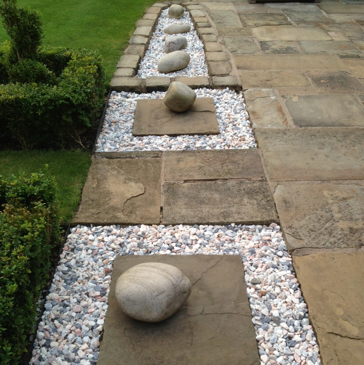 Coloured Stones For Gardens 20mm flamingo gravel buy gravels granites online flamingo welcome to stone garden company workwithnaturefo